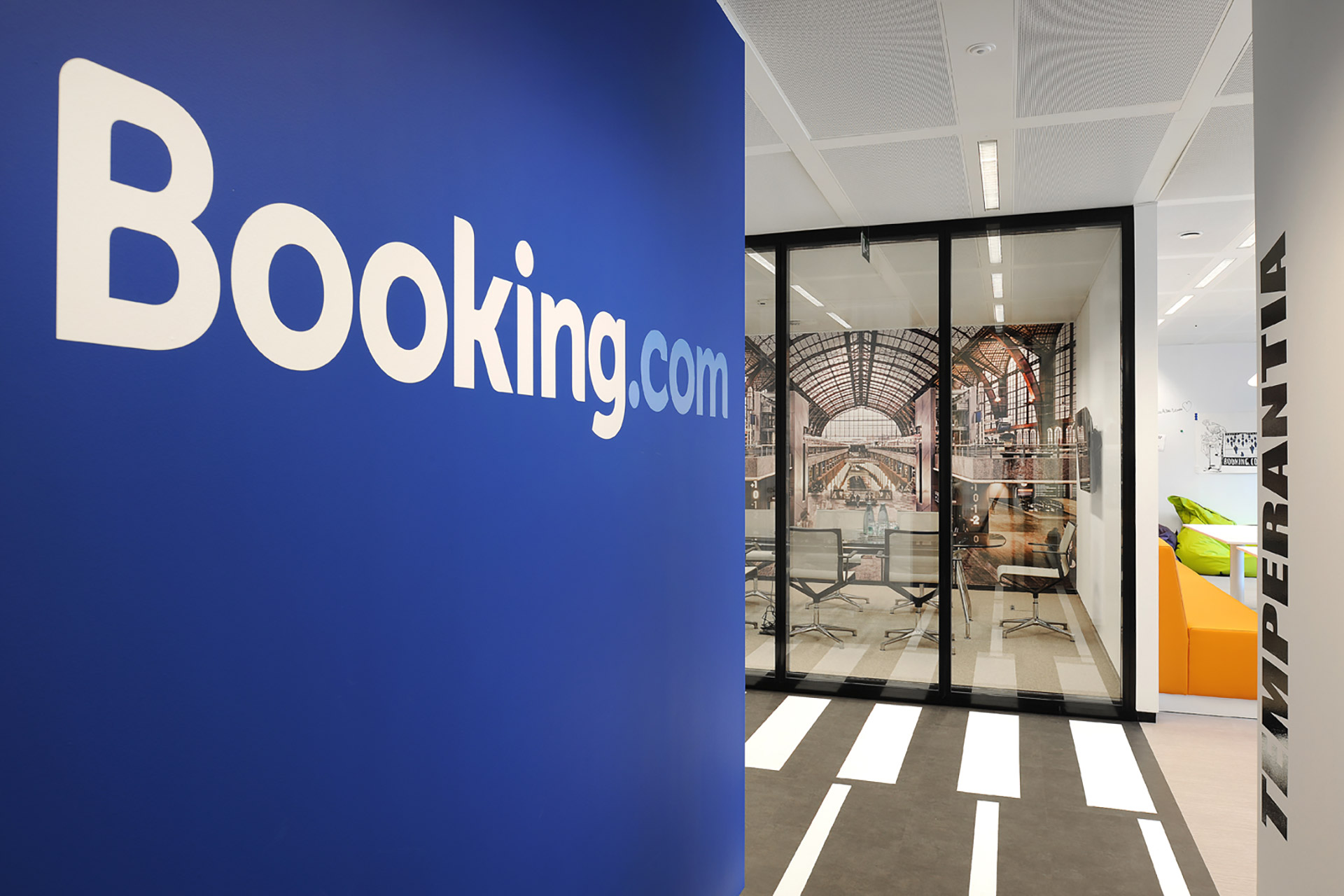 bookingcom-search-page-banner
